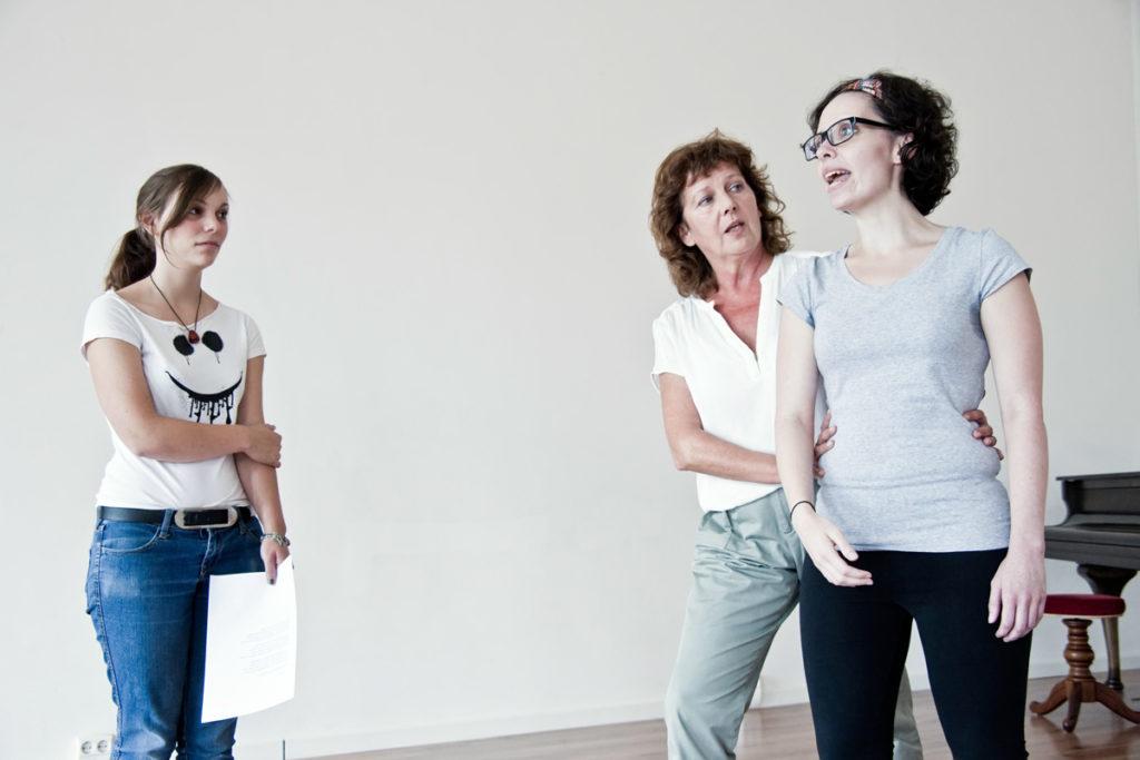 Foto: Bettina Koch und Seminarteilnehmer 2012